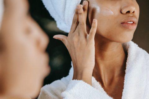 Moisturizing skin care